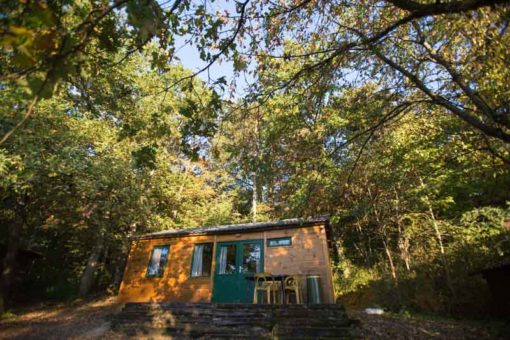 little cabin in the woods at Camping Le Roptai