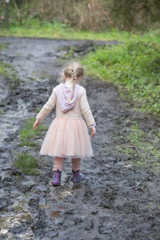 playing with a muddy puddle in the Dandenong ranges ©Erika's Way Family Photoraphy