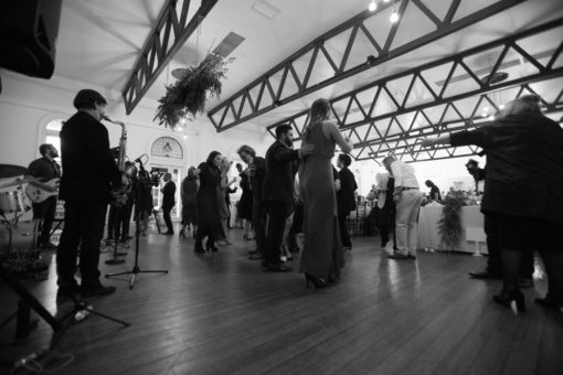 dancing chain at the Wedding